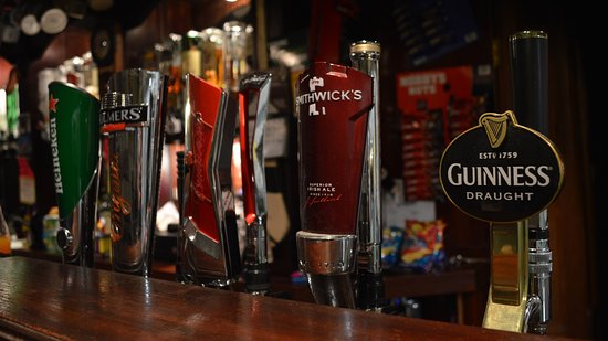 Bunclody, Irland: Wide selection of beers and ale