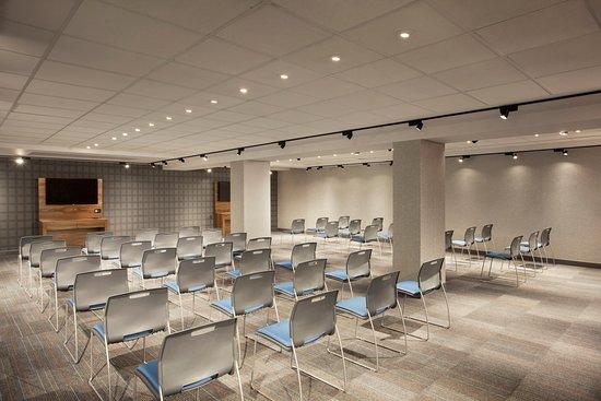 Tripadvisor - Meeting room - תמונה של Aloft Long Island City - Manhattan View, לונג איילנד סיטי