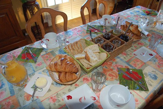 Francueil, Frankrig: Table de petit déjeuner