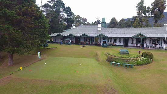 Nuwara Eliya Golf Club: The club house