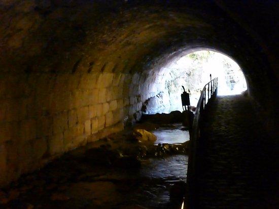 Bóveda del Rio Cerezuelo: Salida de la bóbeda