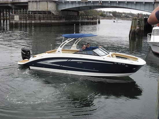Sea Gate Boating: Sea Ray 270