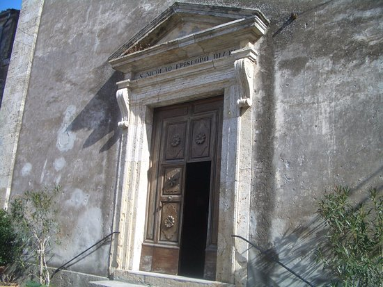 Parrocchia San Nicola: portale ingresso