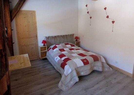 Queige, Francia: Chaque chambre a son WC indépendant et sa salle de bain