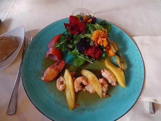 Parcay-Meslay, France: homard écrevisses en salade