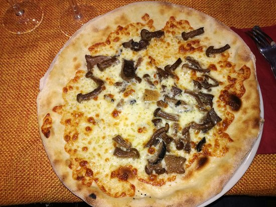 Planet Restaurant Pizzeria and Pub: Pizza funghi misti