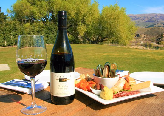 Appellation Wine Tours: Enjoy a delicious platter with an exquisite backdrop
