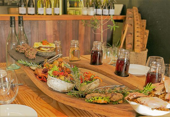 Appellation Central Wine Tours: Wild foods paired with wine at Wild Earth
