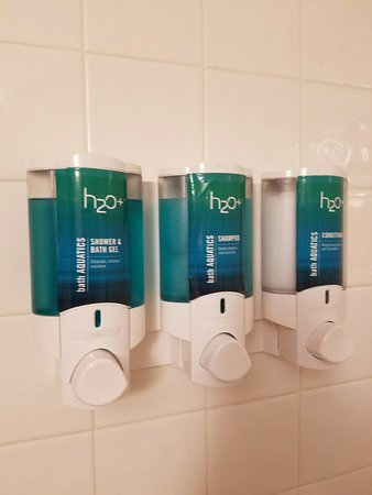 Drury Inn & Suites Greensboro: First time I've seen this! Soap, shampoo and conditioner. Very convenient!