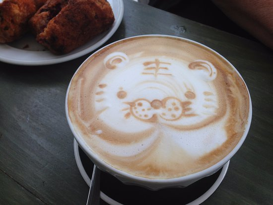 Fernielea Licensed Cafe: Coffee with a tiger on it