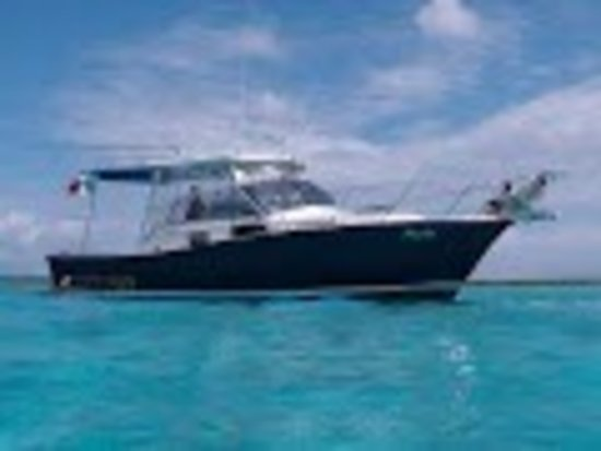 Watersports Mexico: The Pacha - our favourite boat for family trips or private charters, comfortable and with all am
