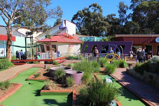 Cowes, Australia: Outside mini golf