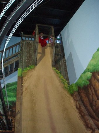 Cowes, ออสเตรเลีย: Giant slide drop