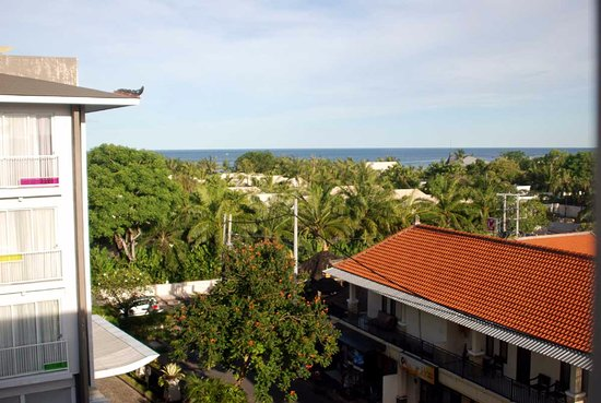 Ibis Styles Bali Benoa: Вид из окна