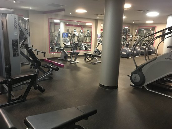 Modern gym picture of crowne plaza jfk airport new york city