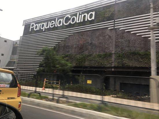 Centro Comercial Parque La Colina