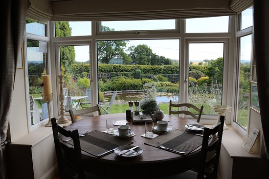 Mortimers Cross, UK: View Of The Garden From The Dining Room/Lounge