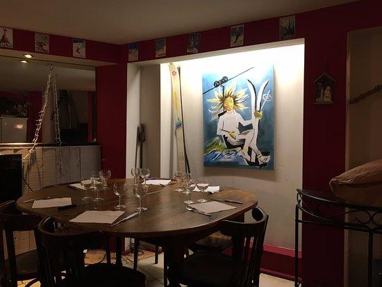 restaurant le refuge dans lyon avec cuisine fran aise. Black Bedroom Furniture Sets. Home Design Ideas