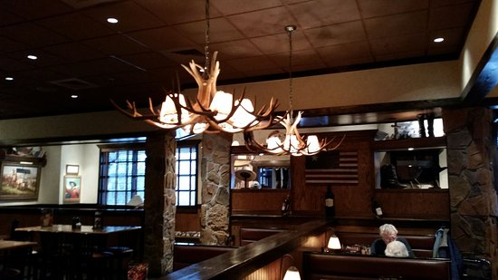 LongHorn Steakhouse: Antler Lighting