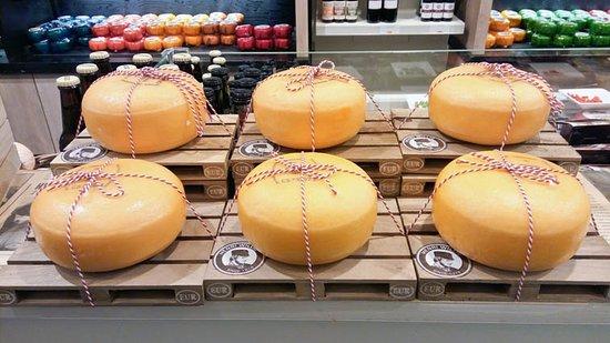 Cheese & More Dam: cheese