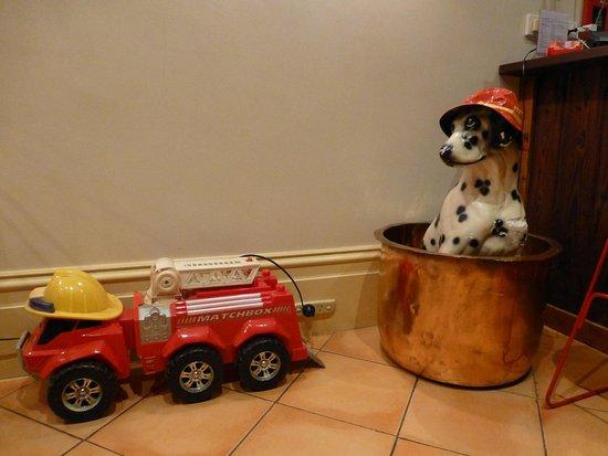 Fire Station Inn: The suite is FULL of fire station memorabilia!
