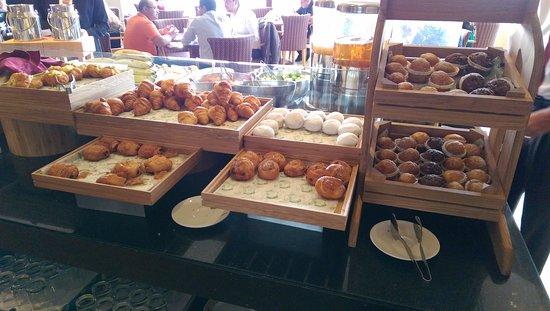 Ramada Jumeirah: Breakfast Choices on the menu