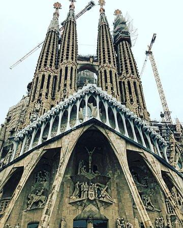 Barcelona Day Tours: La Familia Sagrada