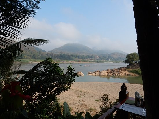 Mekong Riverview Hotel: View from hotel restaurant. Confluence of the Nam Khan and Mekong rivers