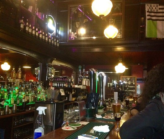 Ok But Best For Smokers Review Of Hennessy S Irish Pub Lisbon