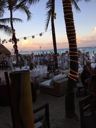 Zenzi Beach Bar & Restaurant: photo0.jpg