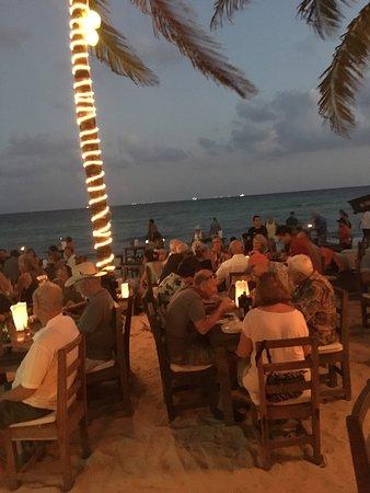 Zenzi Beach Bar & Restaurant: photo1.jpg