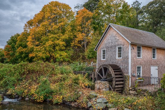 Stony Brook Grist Mill and Museum: Stony Brook Grist Mill in Autumn