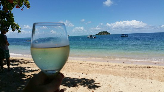 Malolo Island Resort: Taking in the view with a chilled glass of riesling