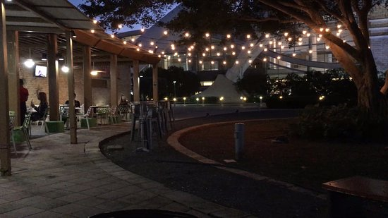 Ficus Mexican Bar & Grill: Ficus Outdoor Grill