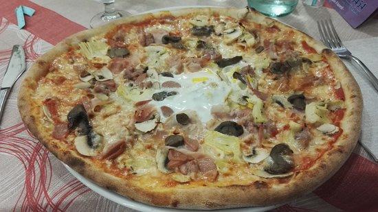 Bomporto, Italien: Pizza gran cotto
