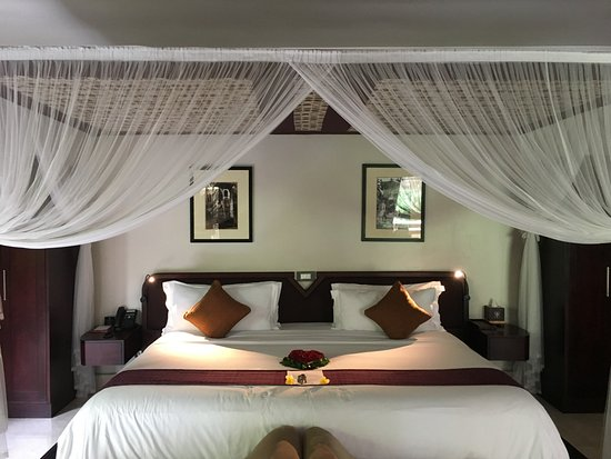 Viceroy Bali: Giant Bed