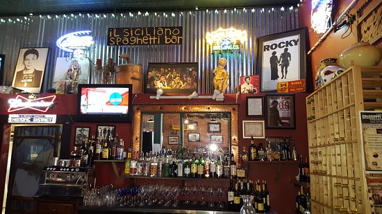 Rosa's Pizzeria: Bar