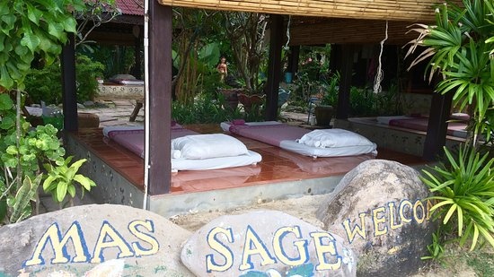 Phi Phi Paradise Pearl Resort: Массажная зона
