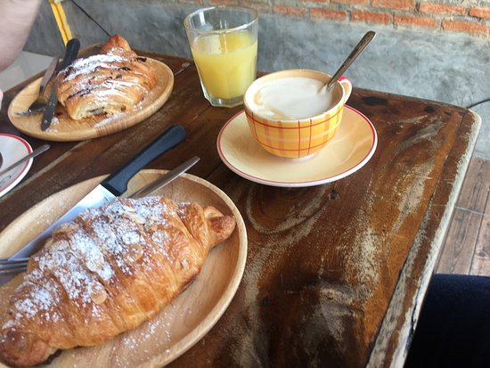 I Kroon Cafe & Hotel Photo