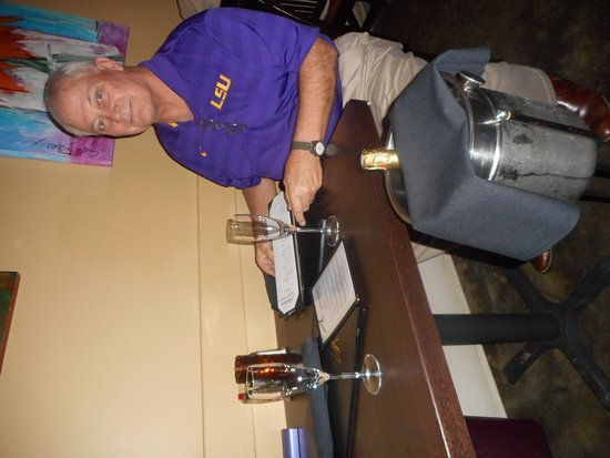 Broussard, LA: My husband had ordered champagne for us and it was perfectly chilled.