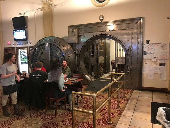 Metals Sports Bar and Grill: Original Bank Vault
