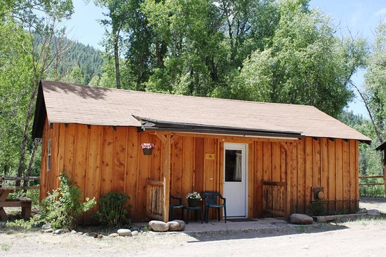 South Fork, CO: Cute cabin in the summer