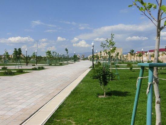 Shakhrisabz, Uzbekistan: アク・サライ宮殿の公園