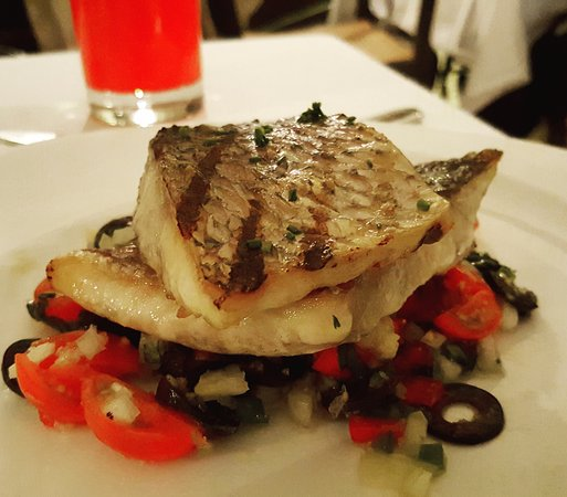 The Dining Room at Cameron Highlands Resort: Grill Snapper