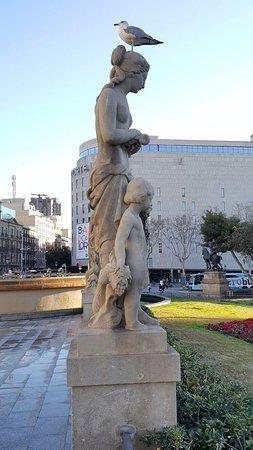 Dona amb nen i flabiol
