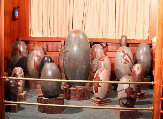 Sinnar, India: Shivlingam.