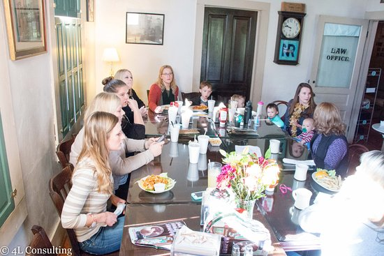 Pittsboro, NC: We have great rooms for work groups, lunch groups or meeting spaces.