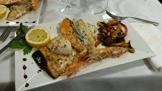 Albese con Cassano, Włochy: Cena di pesce al pesce vela_secondo_01-03-17
