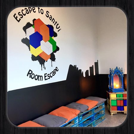 Escape to SantVi - Room Escape