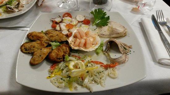 Albese con Cassano, Italia: Cena di pesce al pesce vela_antipasto_01-03-17